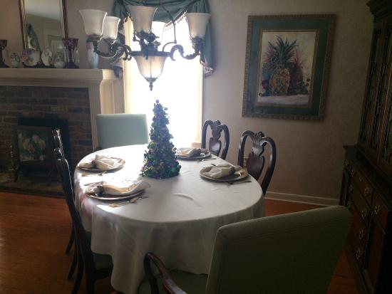 Jefferson, TX: Had a wonderful stay at Chez Lafayette! Breakfast was amazing and Beth is very sweet. We will de