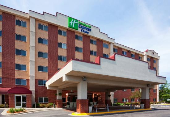 Holiday Inn Express Hotel & Suites Bloomington / Airport / Mall of America