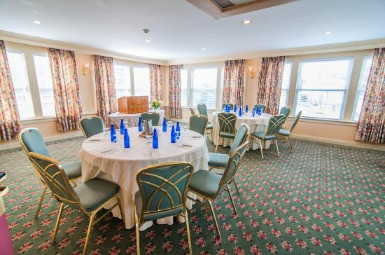 Northampton room picture of hotel northampton for Dining room northampton