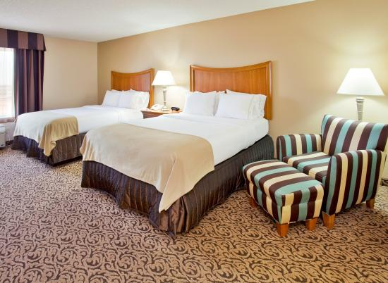 Hastings, NE: All Rooms Have Either One King Bed or Two Queen Beds