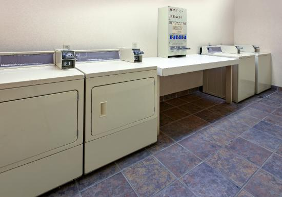 Bryant, AR: Guest Laundry