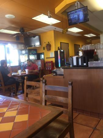 Colton, CA: Great place for authentic Mexican tacos