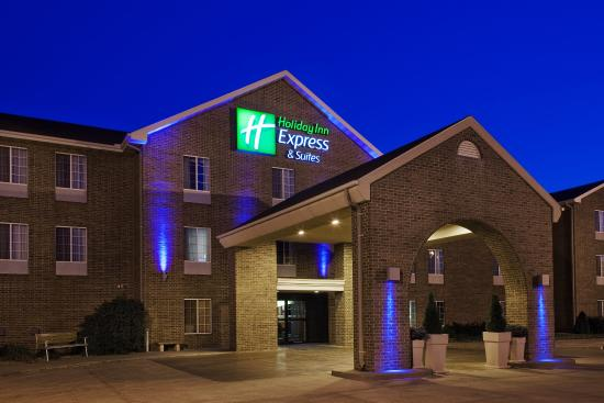 Holiday Inn Express Suites Empire Mall