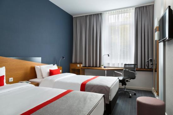 Morfelden-Walldorf, Germany: Ideal for sharing - our twin bedded rooms
