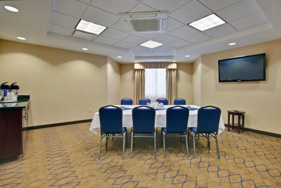 Kincardine, Canada: Bruce Suite is for small intimate meetings boardroom style