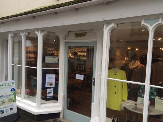 Modbury, UK: Untitled frontage to joint cafe, used clothes shop