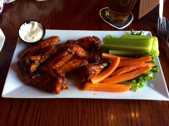 Lititz, PA: Definitely recommend the honey chipotle wings -- just the right amount of spice
