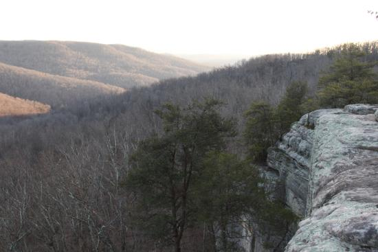 Monterey, TN: Southern view of the valley and of Bee Rock