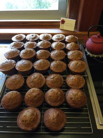 Narrandera, Australia: Home Baked Sticky Date Puddlings ready for 'Charlie's Restaurant!'