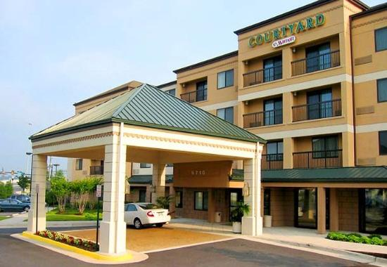 Courtyard by Marriott Springfield: Entrance