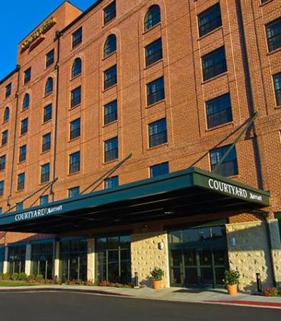 Courtyard By Marriott Aberdeen