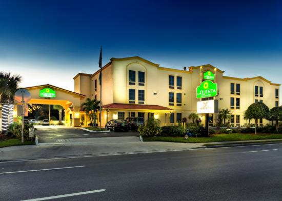 La Quinta Inn & Suites St. Petersburg Northeast Hotel