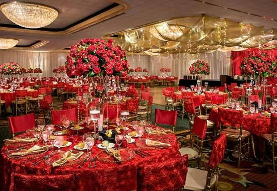 Teaneck, NJ: Ballroom - Social Set-Up