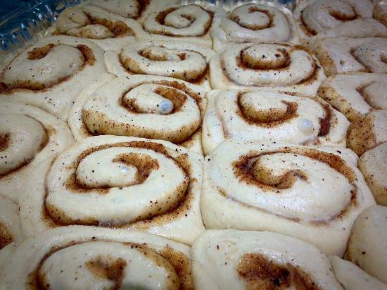Littleborough, UK: Ready for the oven cinnamon buns