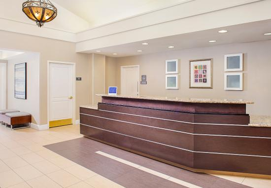 Residence Inn Houston West University: Front Desk