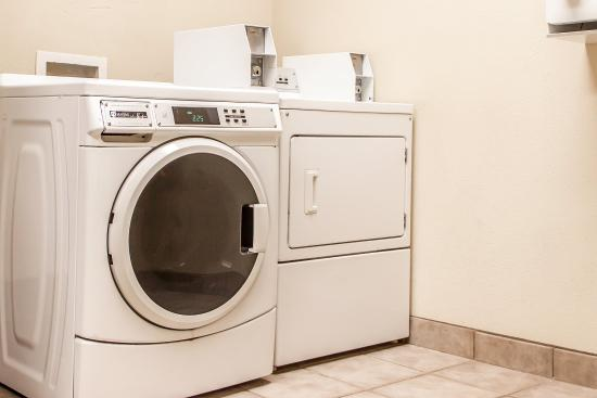 Elk City, OK: Guest Laundry Facility