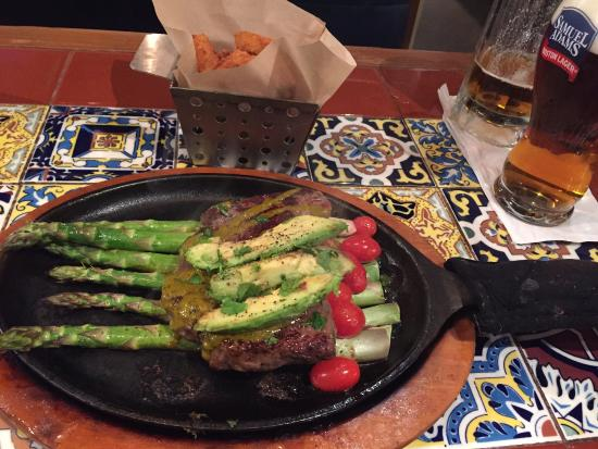 Kirkwood, MO: Steak, Avacado and Asparagus, yummy