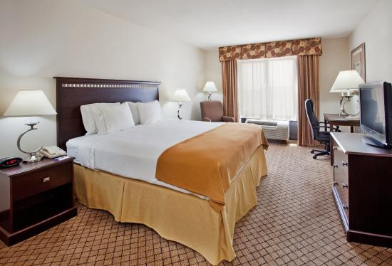 McPherson, KS: King Bed Guest Room