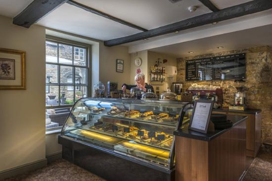 Oundle, UK: The Talbot Hotel Patisserie