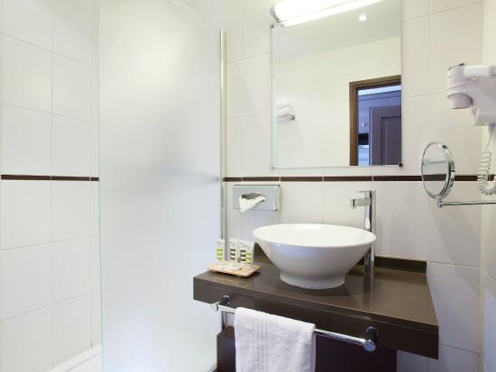 Le Chesnay, France: Guest Room
