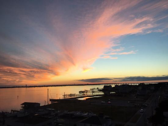 Morehead City, NC: Sunset view from our living room or balcony