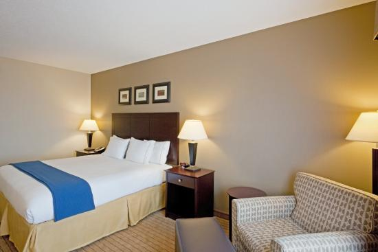 Malone, NY: Single Bed Guest Room