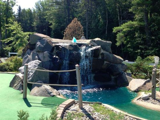 Rockport, ME: Blue Water at Golfer's Crossing