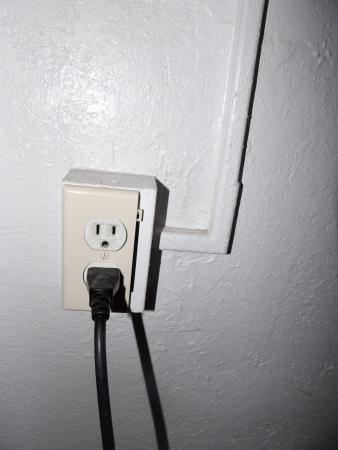 Ramrod Key, FL: Electrical outlet only partially covered
