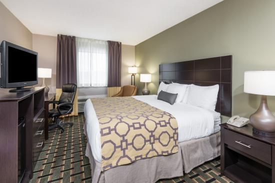 Cambridge, OH: King Room - Renovated