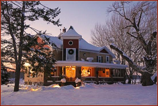Plymouth, WI: Winter at the Inn