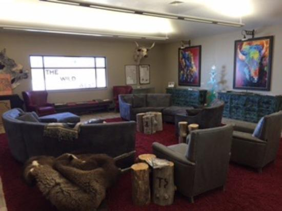 Oakley, KS: Sitting area
