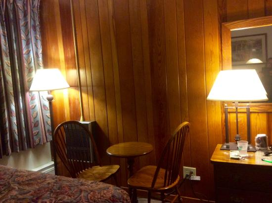 Cacapon Resort State Park: Our room
