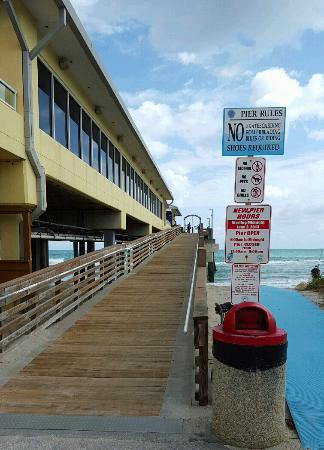 Entrance ramp picture of dania beach fishing pier dania for Dania beach fishing pier