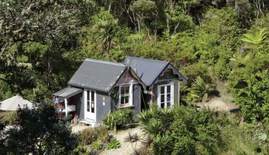 Kerikeri, New Zealand: The Beach Huts at Driftwood Seaside Escapes (sleeps up to 4)
