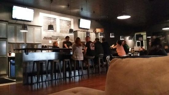 Murrieta, CA: Backyard Bottleshop & Taproom