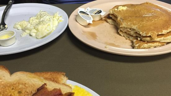 Southaven, MS: Hubby pancakes and egg whites -forgot about the pic so we already started