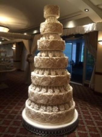 Cake Art Quito : There was a wedding going on and we sneaked to see the ...