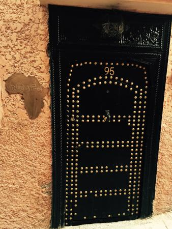 Riad Africa: Main entrance off the street
