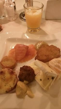 Luechow, Germany: Breakfast. The best of the hotel.