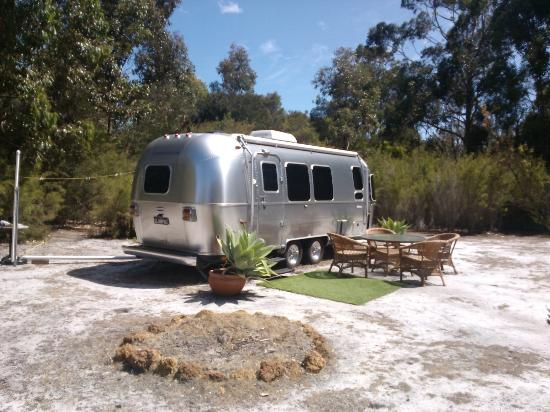 Llewellin's Guest House: Airstream accommodation available