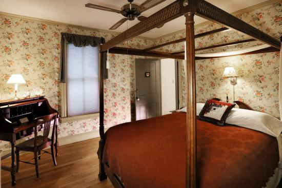 Willow Street, PA: Your room awaits...