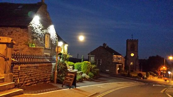 Leyburn, UK: Outside the Bolthole, can recommend The Sandpiper
