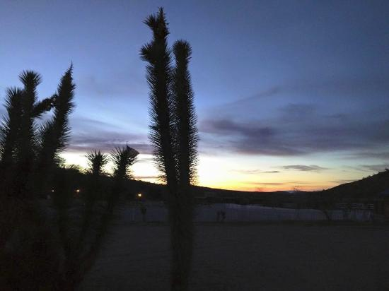 Meadview, AZ: Sunset at the ranch.