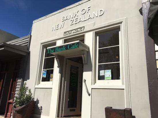 Clyde, New Zealand: The bank Cafe