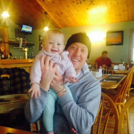 Fenelon Falls, Canada: Hubby and Daughter out for breakfast!