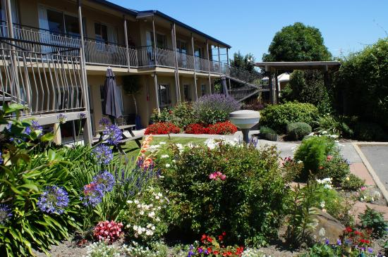 Ashburton, New Zealand: Garden setting