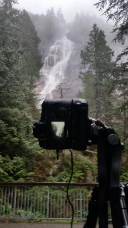 Squamish, Canada: Beautiful view of one huge water fall!