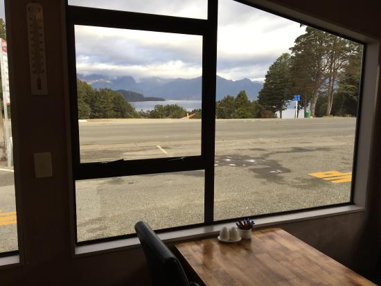 Manapouri, New Zealand: photo2.jpg
