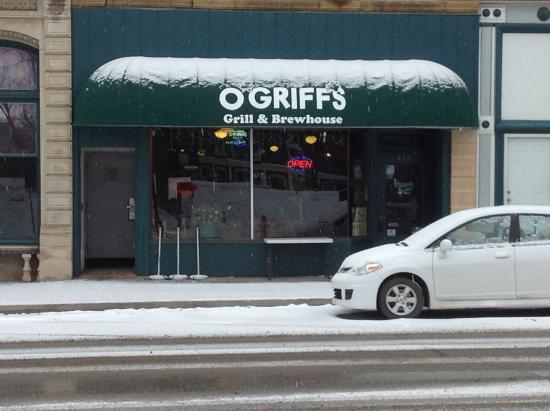 Quincy, IL: O'Griifs Grill & Brewhouse has its own microbrewery inside.