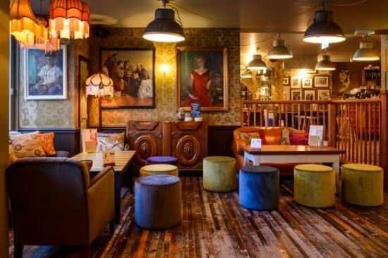 Newcastle-under-Lyme, UK: Cappello Lounging